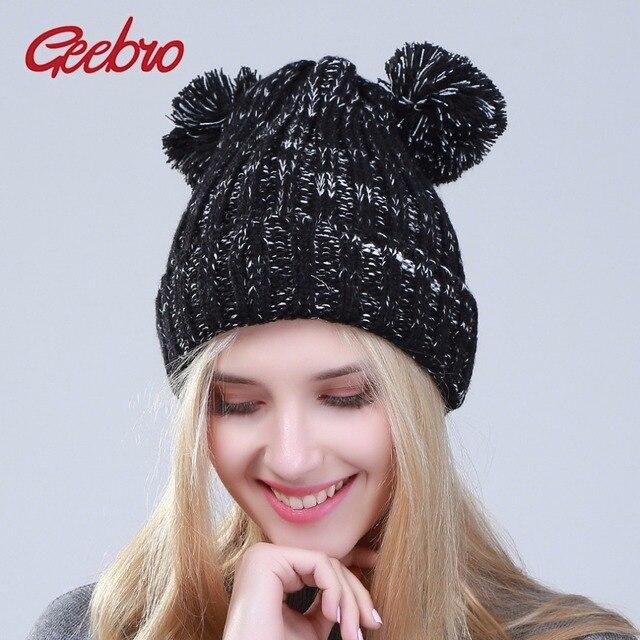 Geebro Novos gorros de Inverno Feminino Dois Pompons Chapéu Feito Malha  para As Mulheres Adorável Pompom 4b97b04e36c