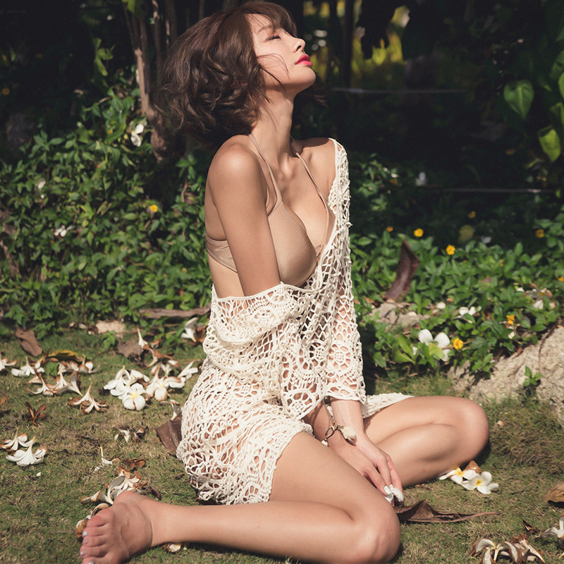 Sexy Hollow Out Crochet Long Lace Blouse Women See-Through Lace Shirt Tops Bohemian Ladies Sun-Proof Cover Up Blusa Transparente