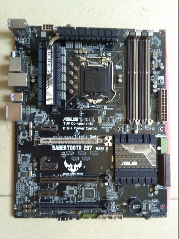 Asus SABERTOOTH Z97 MARK 2 Desktop Motherboard Z97 <font><b>LGA</b></font> <font><b>1150</b></font> <font><b>i7</b></font> i5 DDR3 32G ATX motherBoard used 90%new No protective cover image