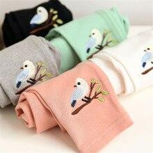 Сезон весна-осень одежда для малышей облегающие брюки для девочек детские леггинсы с принтом милой птички Растягивающиеся леггинсы От 2 до 7 лет