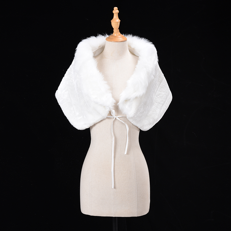 Купить с кэшбэком Cheap Warm faux fur Coat White Wedding Wrap Winter Wedding Bolero 2018 Jacket Bridal Coat Wedding Accessories Wedding Cape Coat
