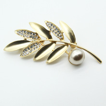 Simple Delicate Crystal Leaves Simulated Pearl Brooch Pins Vintage Rhinestones double Leaf Brooches for Women Men Jewelry Gift
