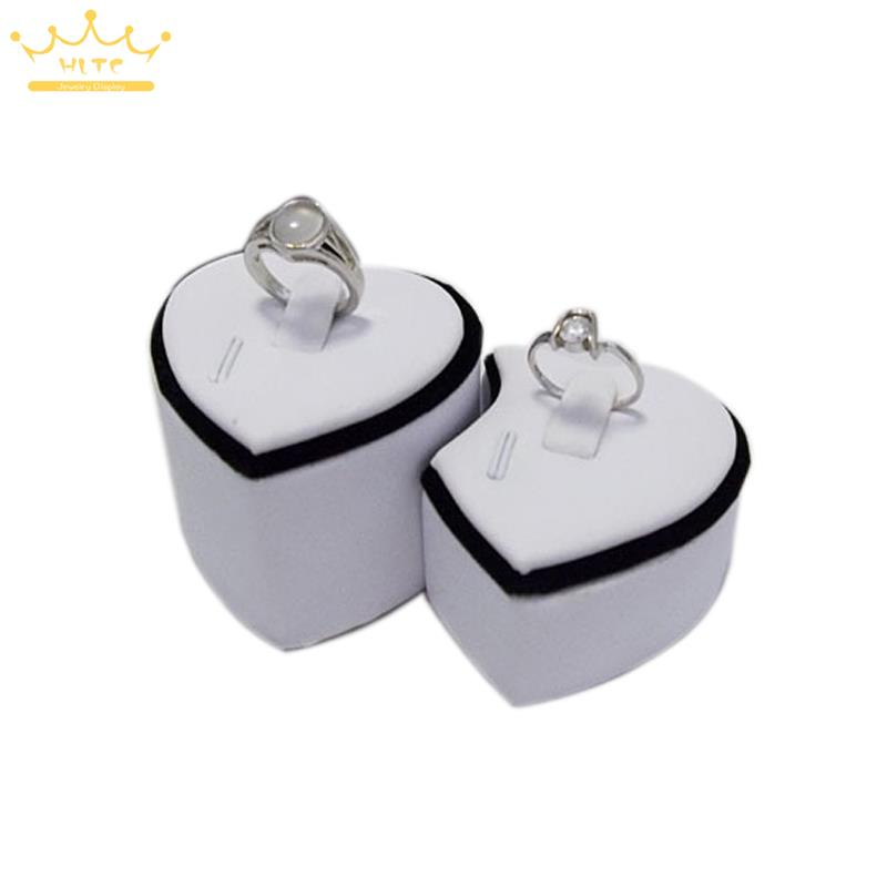 Wholesale Engagement Black Velvet Ring Holder Jewelry Display Storage Lover's Wedding Ring Valentine's Day Jewelry Stand