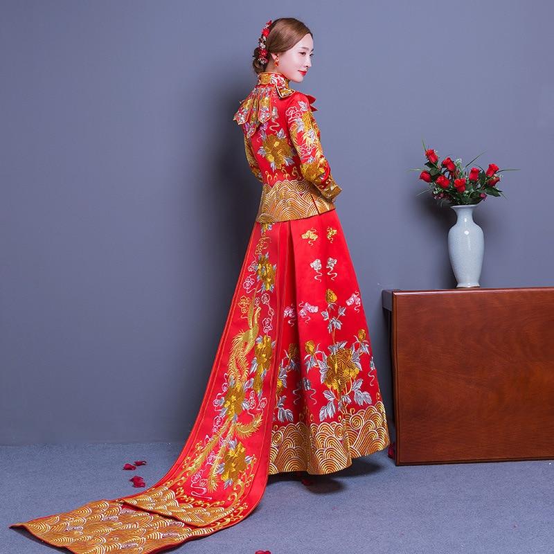 4921b0f46 Long Train Cheongsam Chinese wedding Dress Qipao Traditional Clothing Top +  Skirt Suit Set la robe de mariage de style chinois-in Cheongsams from  Novelty ...