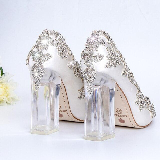 Свадебная обувь; туфли-лодочки с прозрачными каблуками и кристаллами для невесты; туфли-лодочки на Рождество и вечеринку; Роскошные атласны...