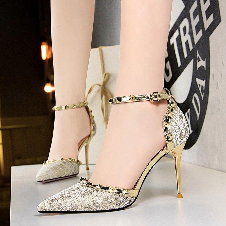 Noir Chaussures Creux Mujer gris Pointu Talons Or Bout Argent Pompes Luxe Mariage Imprimer Boucle gold Diapositives Rivet De Hauts Sandales Femmes silver Zapatos HY8wx