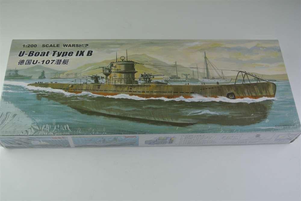 1: 200 Scale Warship World War II U-Boat Type IX B German U-107 Submarine Plastic Assembly Model Electric Toy XC80914 стоимость
