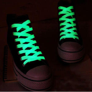 AUTOPS 1pair Luminous Toys Glow In The Dark Gift