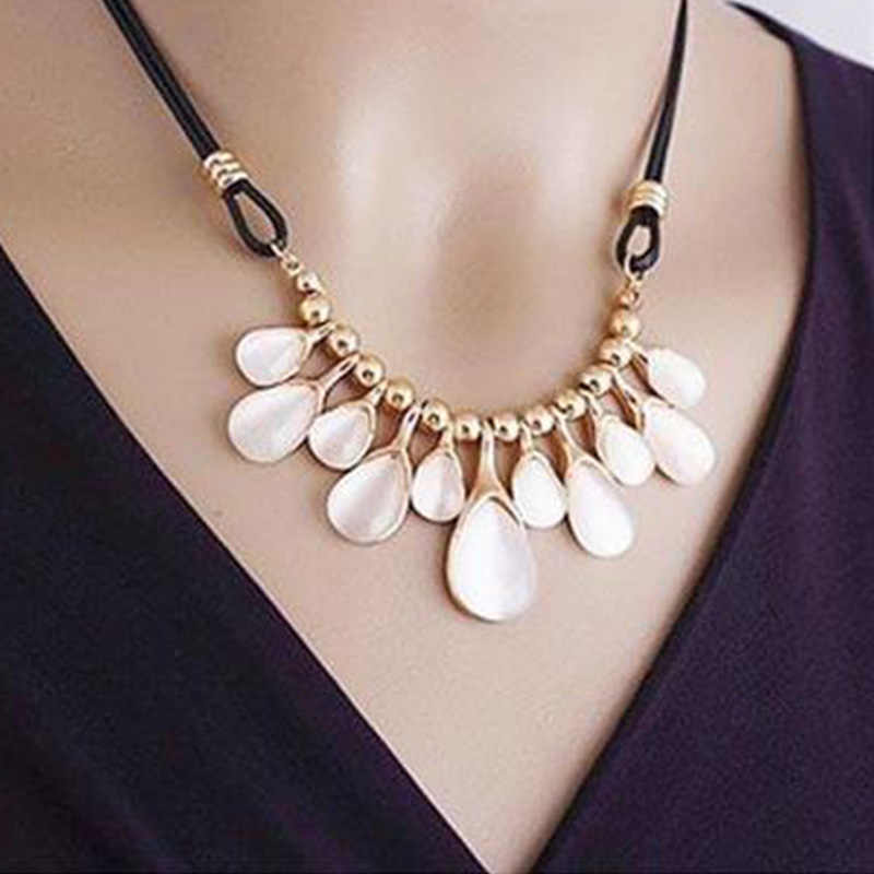 New Vintage Fine Jewelry Simple Rhinestone Flower Drop Necklaces Temperament Leather Rope Cord Statement Necklace For Women