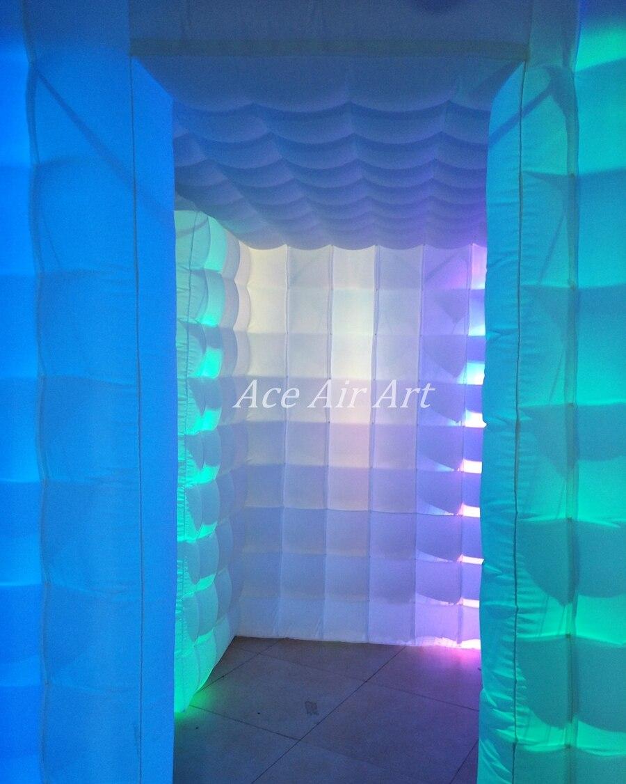 Cabine de photo gonflable d'éclairage de LED de nouveauté, cube de partie avec la porte à côté des rideaux étroitement attachables et l'endroit plus lumineux - 5