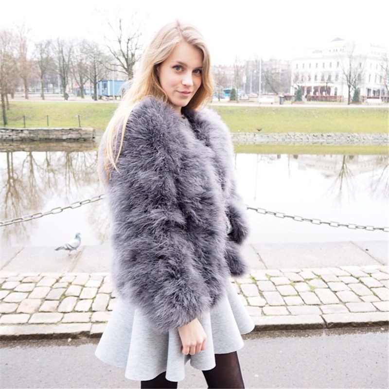 100% Fluffy Feather Fever Fur Jackets Handmade Knitted Faux Ostrich Fur Coat Women Retail / Wholesale Natural Fur Jacket