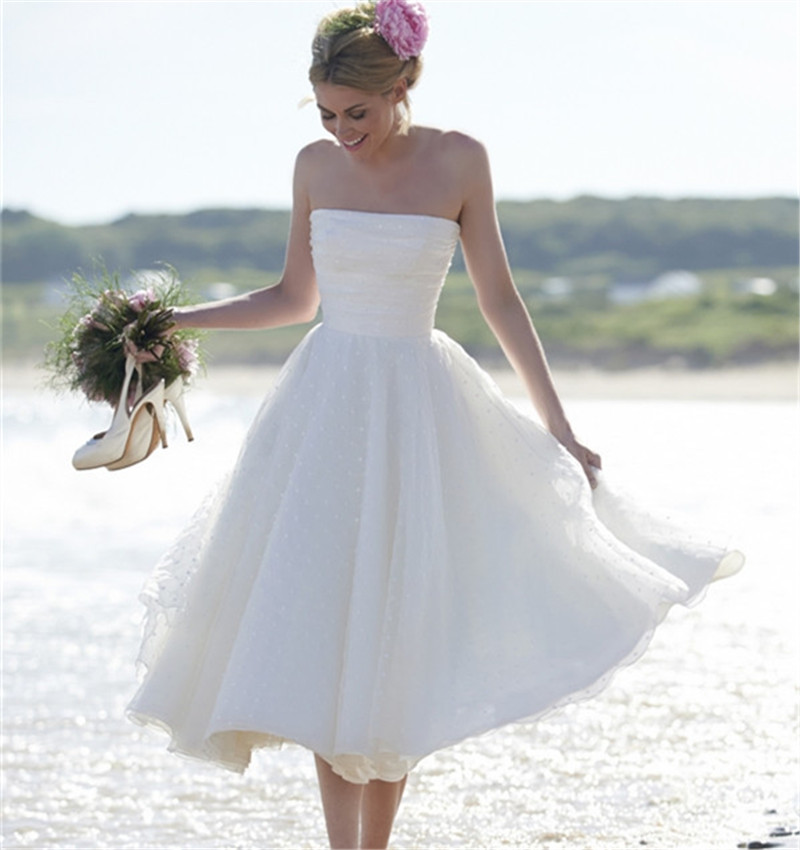 Beach Wedding Gowns: Vintage Tea Length 2016 New Fantastic Strapless White
