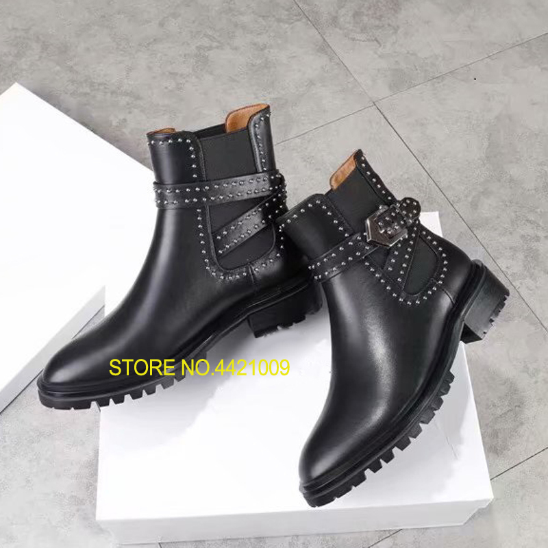 Runway Booties Lady British Style Chelsea Boots Woman Round Toe Rivet Silver Buckle Flat Ankle Boots Woman Fashion Martin BootsRunway Booties Lady British Style Chelsea Boots Woman Round Toe Rivet Silver Buckle Flat Ankle Boots Woman Fashion Martin Boots