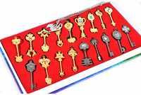 FAIRY TAIL Action Figures Spirito Lucy Arma Portachiavi Ciondolo Distintivo Leghe di Zinco Da Collezione Model Toy Catena Chiave 18 pz/set