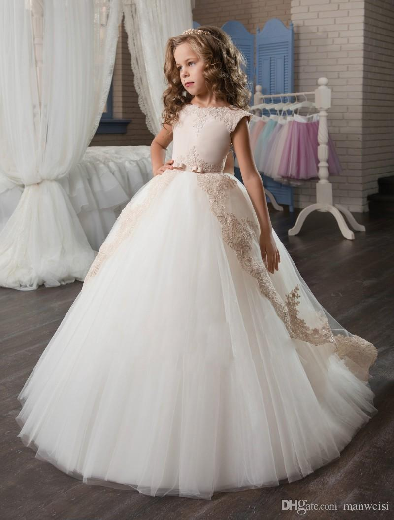 Hot 2016 Tulle Flower Girls Dresses For Weddings Cap Sleeve Ball Gown Lace Children First Communion Dress Pageant Gowns FH40