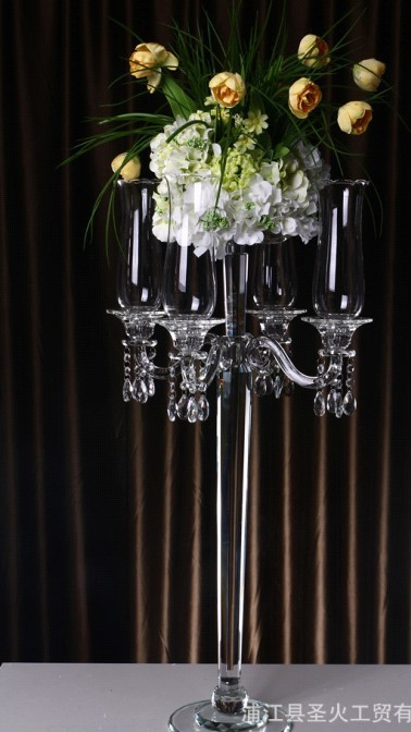 Free shipping fine crystal candlestick, factory direct sales, wedding decoration home party gifts preferred.