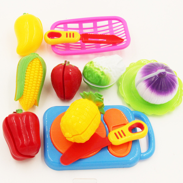 Cutting Fruits and Vegetables for Pretend Play