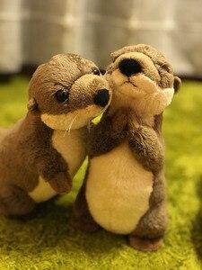 """Image 1 - 18 ס""""מ עומד נהר וטרה חיים אמיתיים גודל וטרה חיות פרווה צעצועים צעצועים בפלאש מיני למתנות יום הולדת לילדים"""