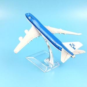 Image 3 - شحن مجاني 16 سنتيمتر 747 KLM سبيكة معدنية نموذج طائرة نموذج طائرة طائرة لعبة هدية عيد ميلاد