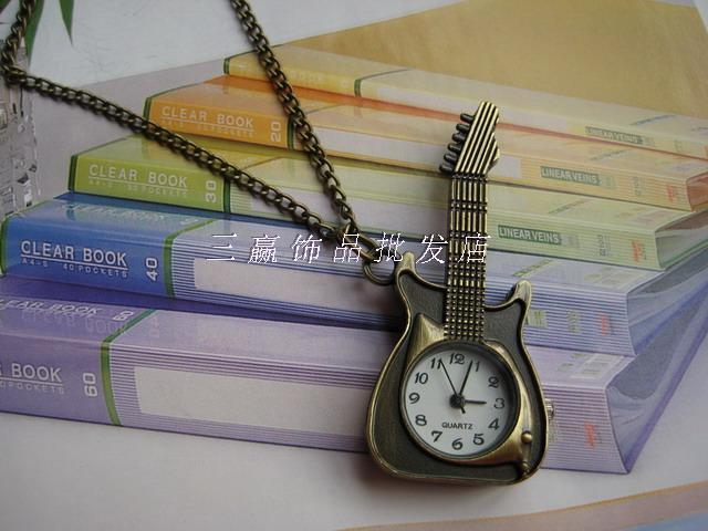 free shipping. Vintage guitar cartoon pocket watch pocket watch necklace rahb002 Christmas.birthday present