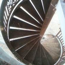 Металлические стержни для лестниц