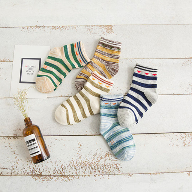 5 pcs  Girls and boys Fashion 1-8 Years Old Cotton  baby girls and striped Socks Kids Socks Girls and boys Spring and Autumn