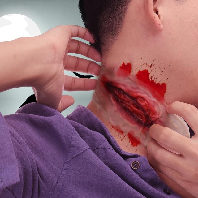 Trucchi Di Halloween Spaventosi.Us 2 09 16 Di Sconto Halloween Zombie Cicatrice Tatuaggi Falsi Cicatrici Cut Gola Sanguinante Trucco Decorazione Di Halloween Horror Ferita