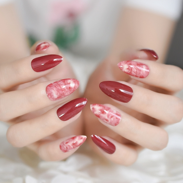 24pcs Sharp Stiletto Design Acrylic Nails Wine Red Marble Medium