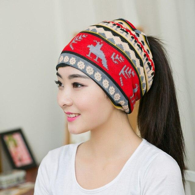 Vintage Femmes Neige Bonnets 2 Couleurs Ethniques Chapeau Printemps Femmes  Beanie Automne Hiver Chapeaux Pour Femmes d2456ea15a3