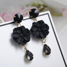 Korean Style Flower Earrings for Girl Women Rond Circle Hoop Earrings 2018 Statement Colorful Petal Circle Big Fancy Jewelry(China)