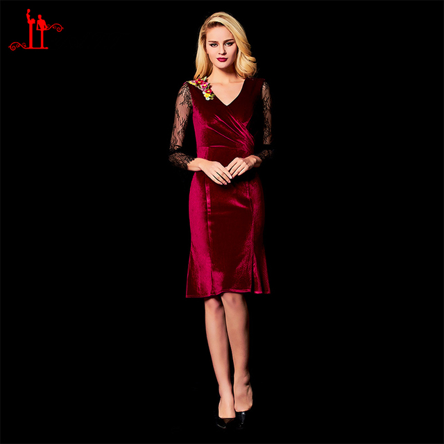 2ce5d9fe76f Hot Burgundy Velvet Mother of the Bride Dresses 2018 Sheath V Neck Black  Lace Long Sleeve Knee Length Formal Evening Party Gown