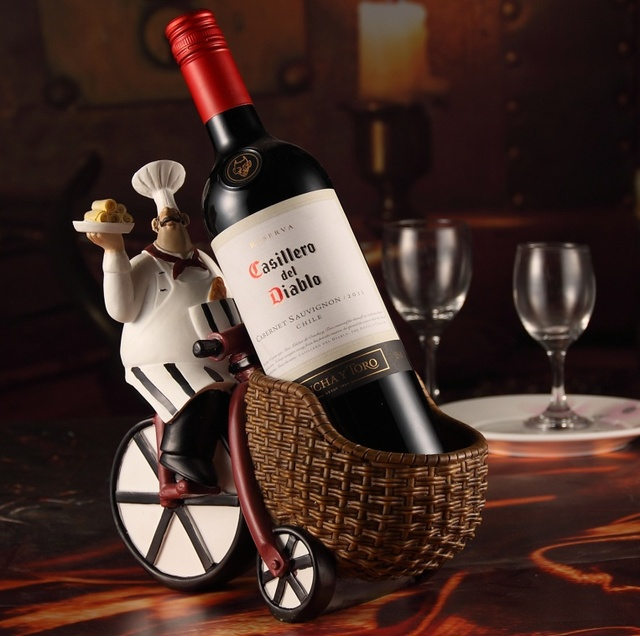 Fat Chef And Trolly Figurine Wine Display Holder Ornamental Polyresin Bar Kitchen Cook Decoration Supplies