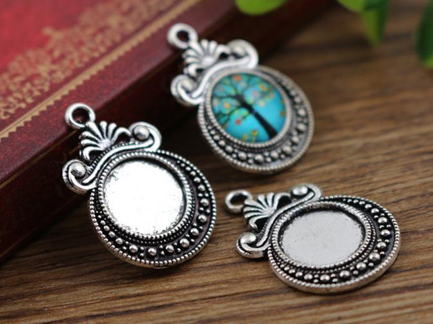 16pcs 12mm Inner Size Antique Silver Fashion Style Cabochon Base Cameo Setting Charms Pendant (A2-08)16pcs 12mm Inner Size Antique Silver Fashion Style Cabochon Base Cameo Setting Charms Pendant (A2-08)