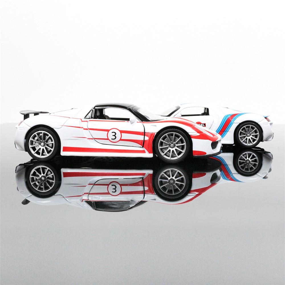 Spyder Sports Car: New 1:32 918 RSR 911 Martini Car Model Products Sports Car