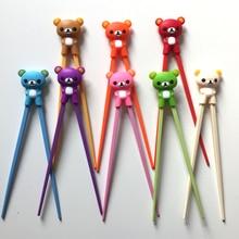 Горячая Распродажа, 1 пара, разноцветная Милая палочка с медведем, пандой, кошкой, миньонами, обучающая палочка для еды, Детская китайская палочка для еды, подарки для учащихся