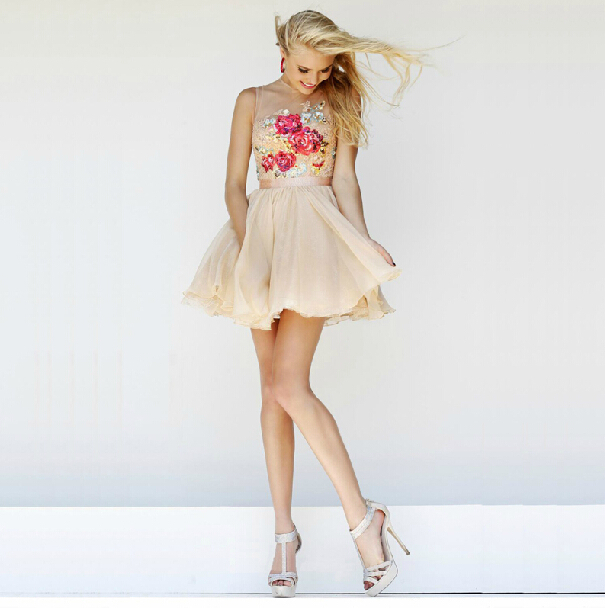 BG027 2014 Cute Short Prom Dresses High Neck Beaded Junior Girl Graduation  Dresses Party Evening Dresses Mini Homecoming Gown-in Prom Dresses from  Weddings ... c98e59a9f