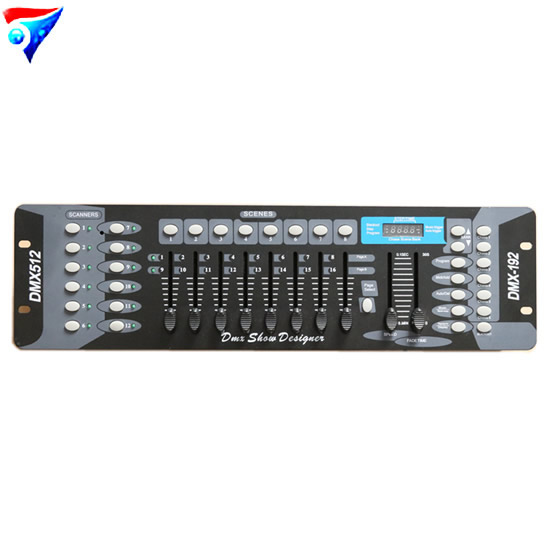192 DMX Stage Lighting DJ Equipment Console For Led Par Moving Head Spotlights192 DMX Stage Lighting DJ Equipment Console For Led Par Moving Head Spotlights