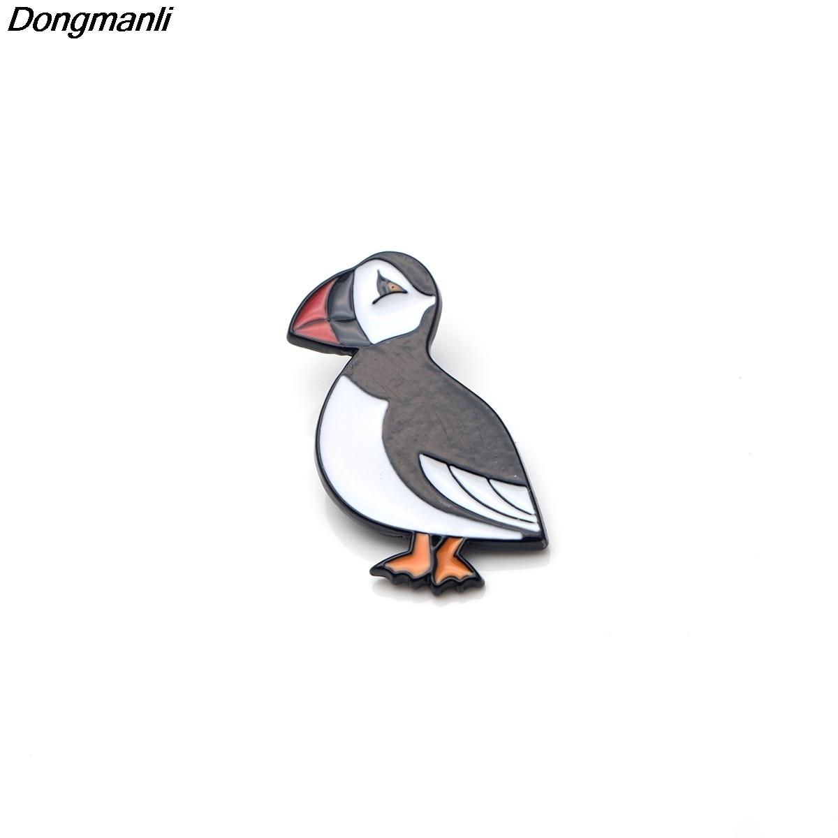 P2595 Dongmanli groothandel 20 stks/partij Leuke Puffin Sea bird Metal Enamel Pins en Broches voor Vrouwen Mannen Revers pin rugzak badge-in Broches van Sieraden & accessoires op  Groep 1