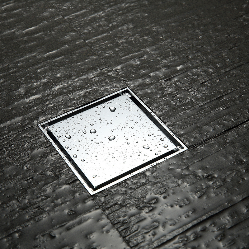 Égouttoir carré de plancher de douche en laiton poli chromé avec grille d'insertion de tuile polyvalent, aspect Invisible ou couvercle plat