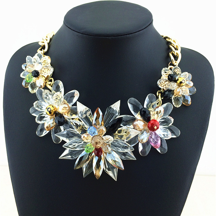 Deluxe Charm Crystal Necklaces Pendants Choker Transparency Crystal Flower Statement Necklace Factory Price Fashion Necklace