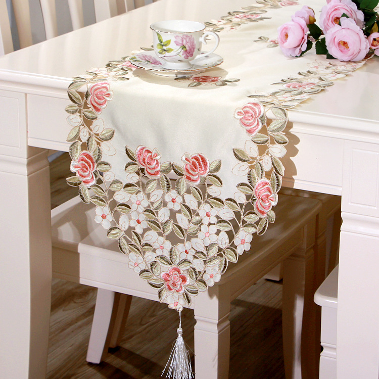 New Arrival Waterproof and Oil Proof Table Runner Embroidered Simplicity Modern of Type Style Flower Pink Bed Runner on Sale