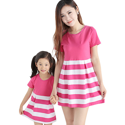 b3ee31b25a7f6 US $18.99 |2015 Summer Cotton Striped Mom And Daughter Dresses Family  Matching Clothes Hot Fashion Mother Kids Outfits Clothing Family Look-in ...