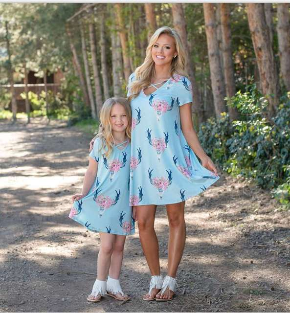 72bb8469be1bb US $8.74 8% OFF|Mother And Daughter Skull Dresses 2018 Family Matching  Clothes Kids Parents Matching outfits Mommy And Me Dress-in Matching Family  ...