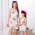 Madre e hija ropa arnés vestido sin mangas floral imprimir vestido casual clothing familia madre e hija vestido de gasa