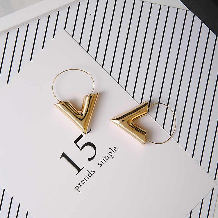 ¡Gran oferta 2018! ¡venta al por mayor! ¡nueva tendencia! pendientes Brincos Oorbellen de metal simple con forma de V y letras