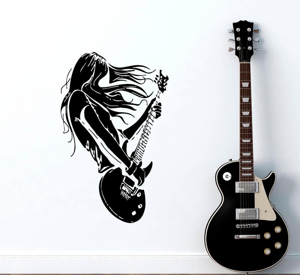 при постер в интерьере с гитарой прокладки кабеля