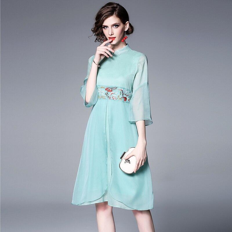 81307fde606a Cheongsam 2019 Qualità Manicotto turchese Ricamo Causale Cinese Di Stile  Elegante Quarti Del Vestito Dal Chiarore ...