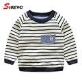 Camiseta de los niños Chicos Primavera 2017 Nueva Casual Rayas Muchacho Simple Camiseta Del O-cuello de Manga Larga Ropa Para Niños 4965 W