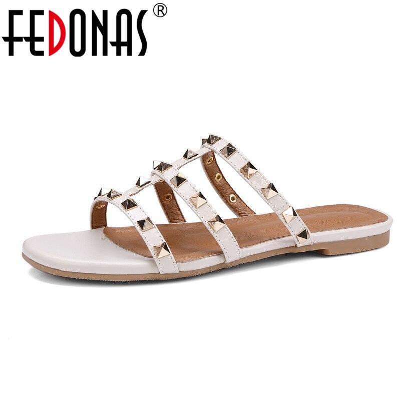 цена на FEDONAS 2018 Genuine Leather Flats Heels Fashion Women Sandals Sexy Punk Rivets Slippers Female Summer Casual Shoes Woman Flats