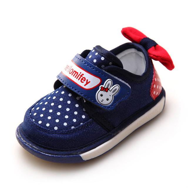 2017 Otoño se Deslizan en Primeros Caminante Suaves Del Bebé Niñas Zapatos de Los Caminante Con Arco en la Parte Posterior Para Niños Zapatos Casuales